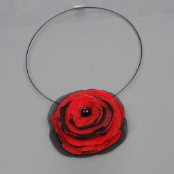 ozdoba,kwiatek,na szyję,modna,wdzięczna,stylowa - Naszyjniki - Biżuteria