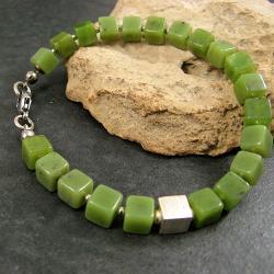 zielona,niebanalna,z kostką - Bransoletki - Biżuteria