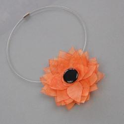 ozdoba,kwiatek,na szyję,modna,kobieca,stylowa - Naszyjniki - Biżuteria